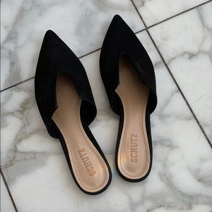 Black pair of  Mules